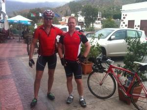 lägger in en bild från senaste tränings veckan som vi hade på gran canaria, väldigt jobbiga backar överallt :) men kul !! Kanske det blir cykling i Torrevieja nästa gång...
