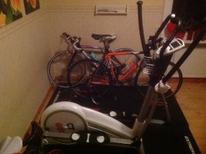 Crosstrainer och cykel trainer