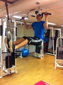 Han är stark grabben..:) mina ben fick hänga rakt ner dom!!