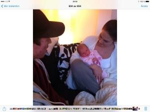 Stolta mamma Caroline med Signe och morbror..