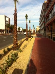 Uppsnyggning av  avenida desiderio Roudrigez .. Såg också att dom ska bygga strandpromenad förbi oss och söderöver...trevligt! Om det nu blir av? :)